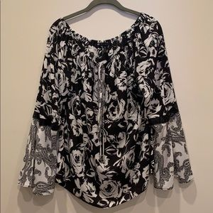 WHBM size M black/white floral bell sleeves top